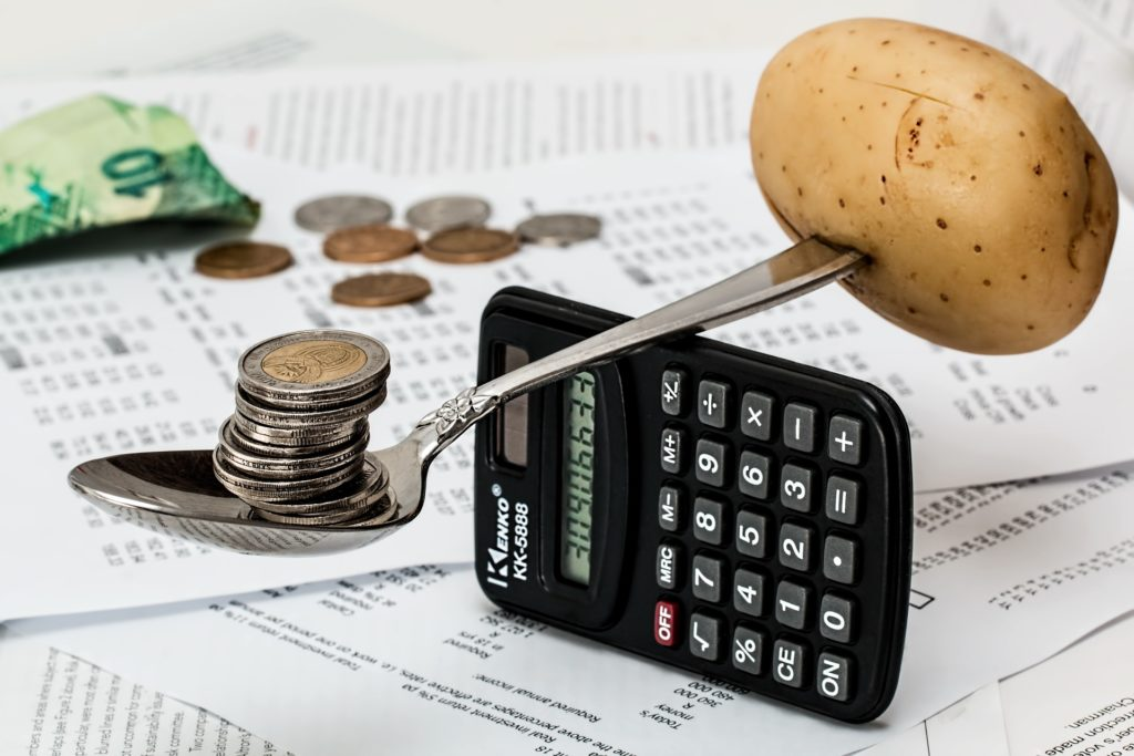 органическая продукция в среднем дороже продукции традиционного сельского хозяйства на 40−100%, а в сегменте российской розницы разница и вовсе достигает 300%